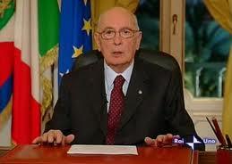 Il Presidente della Repubblica Giorgio Napolitano in un fotogramma della diretta da Palazzo Chigi
