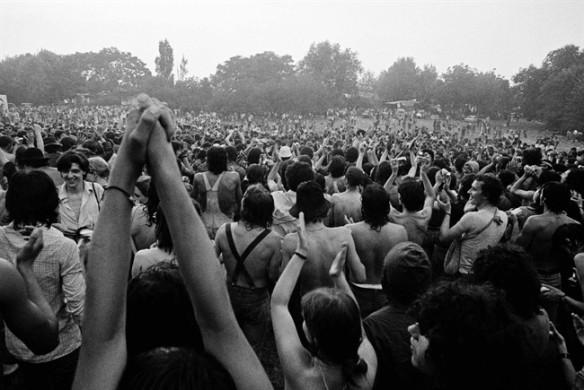 Festa del Proletariato Giovanile nel 1976 al Parco Lambro. foto Gabriele Basilico