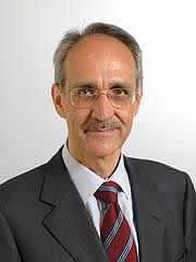 Pietro Ichino, ultimamente sembrerebbe sentirsi più vicino a Monti che non al suo PD.